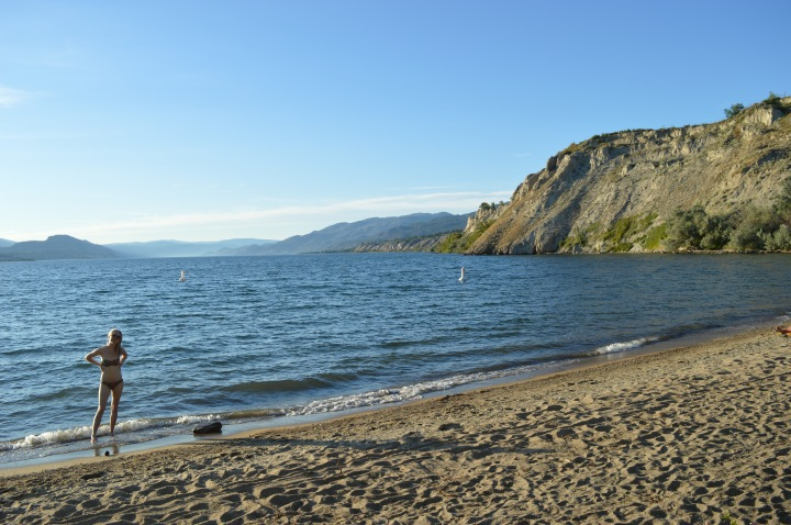 Again, I think a bikini is an okay decision for beach-going. (Except for the whole boobs-prone-to-popping-out thing) Naramata and Epenticton 2015